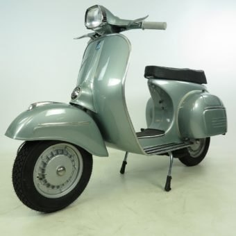 Vespa 125 Sprint Top Level Restauriert